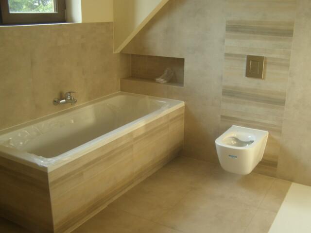 Wykończenie łazienek (stan surowy) w Mirosławicach